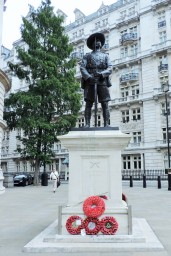 A monument to the fallen in World War I that we saw on our visit to London.